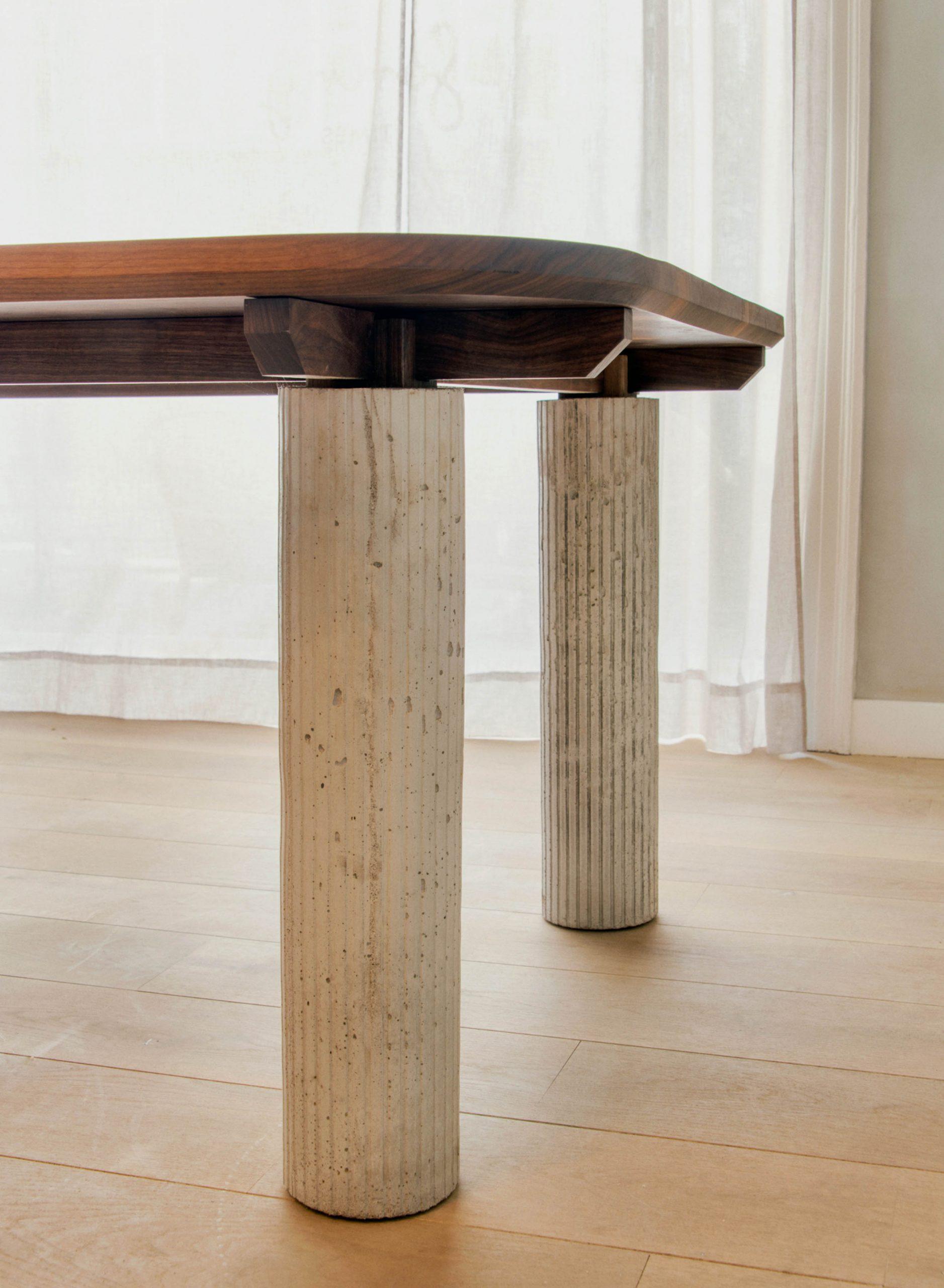 Sonny Table